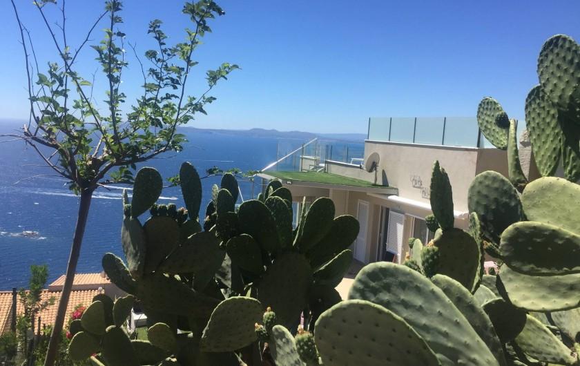 Location de vacances - Villa à Roses - lever du soleil sur la façade est