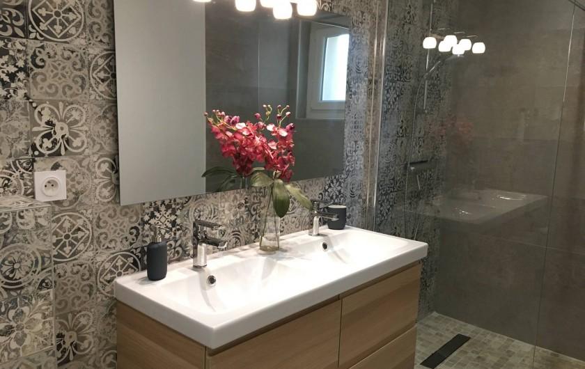Location de vacances - Villa à Aigues-Vives - Bathroom