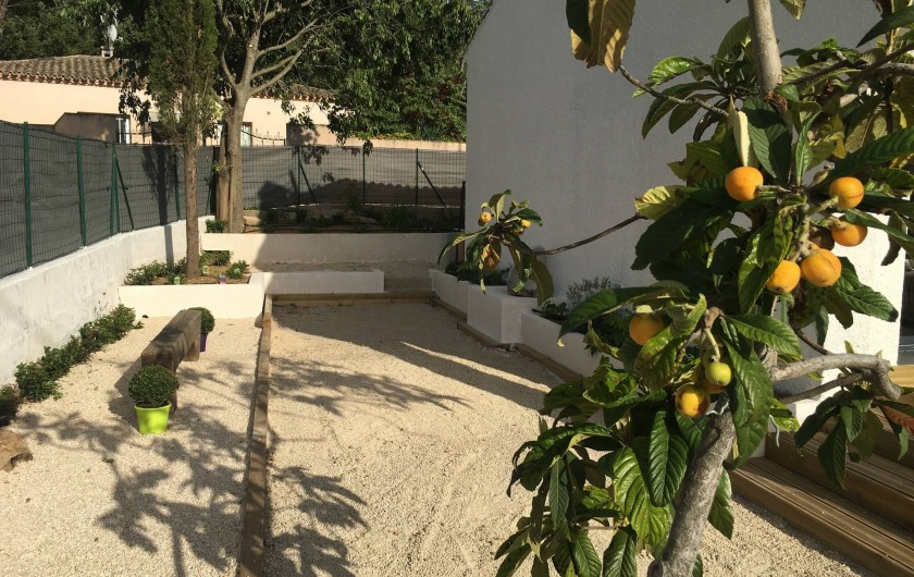Location de vacances - Villa à Aigues-Vives - Petanque court