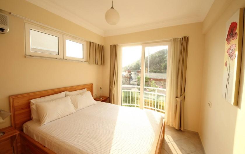 Location de vacances - Appartement à Fethiye - Chambre avec vue sur charmante colline