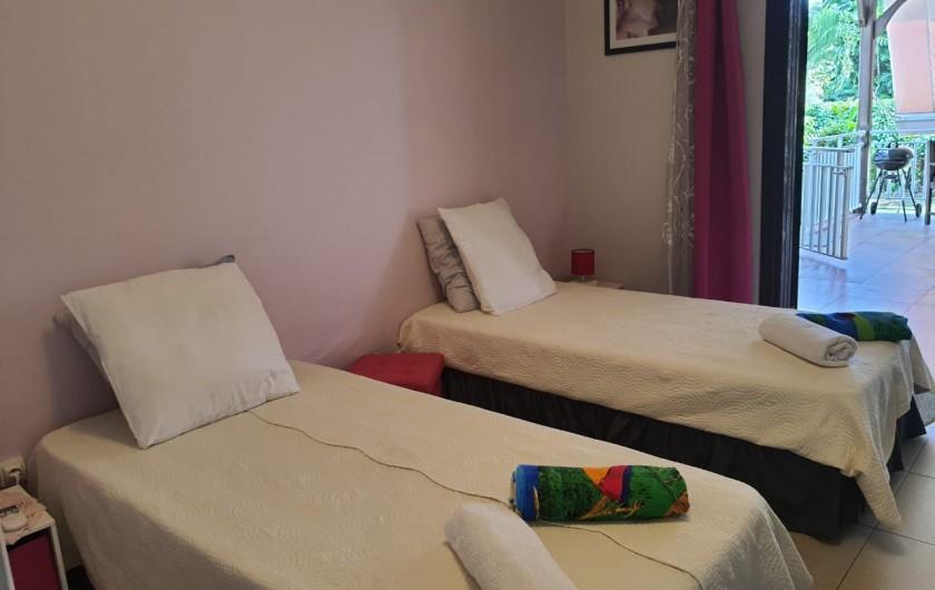 Location de vacances - Villa à Petit Bourg - Chambre 2