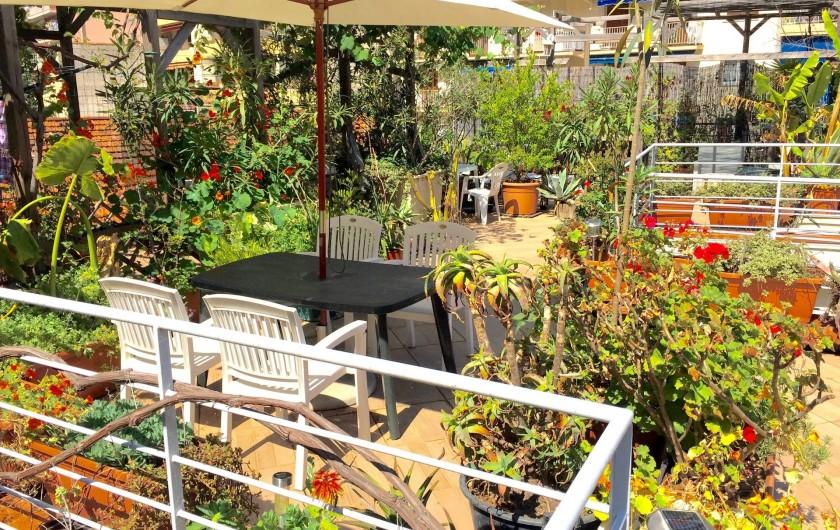 Location de vacances - Studio à Nice - partie exclusive dans la cour