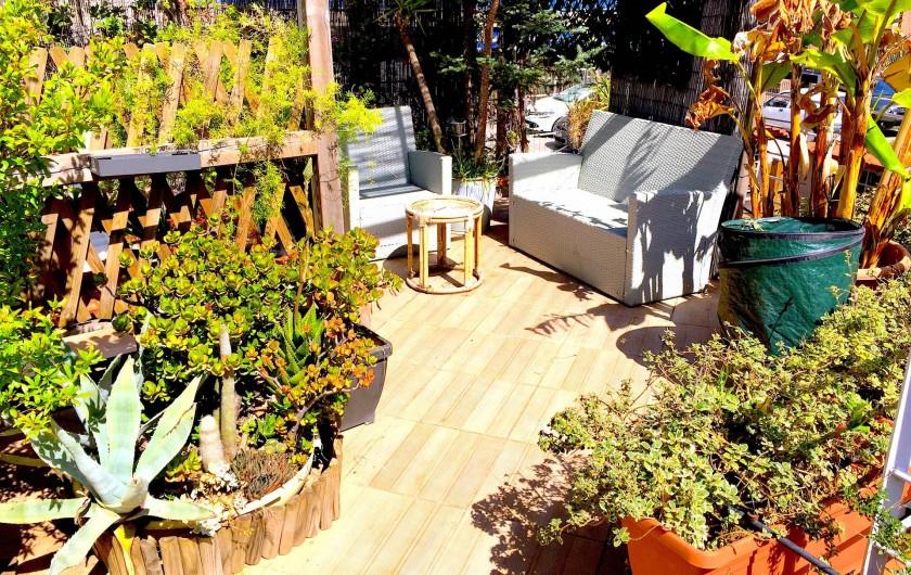 Location de vacances - Studio à Nice - solarium coin relax