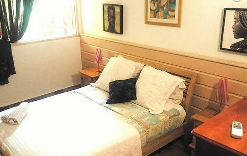 Location de vacances - Appartement à Deshaies - Chambre 1 MONTANA ( 4 à 9  personnes)