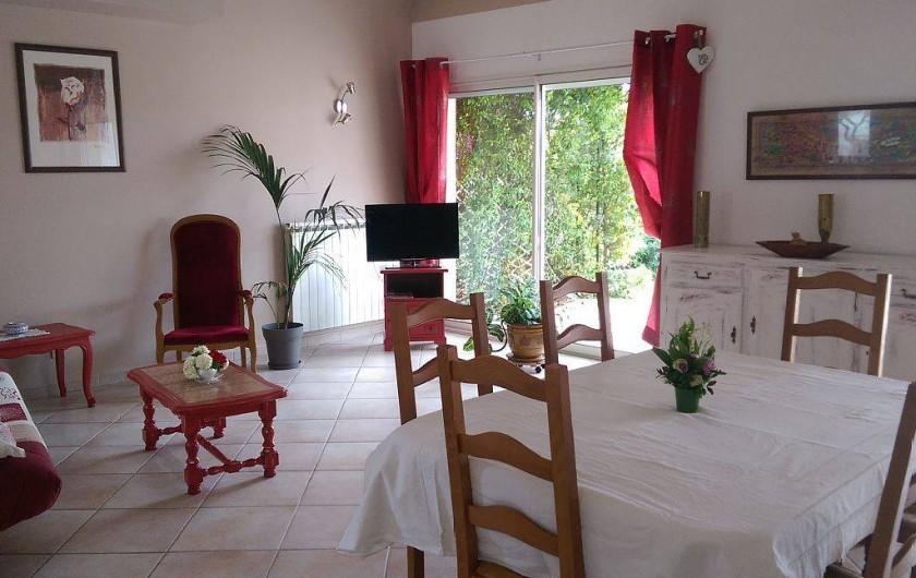 Location de vacances - Villa à Pujaut - Salon, salle à manger