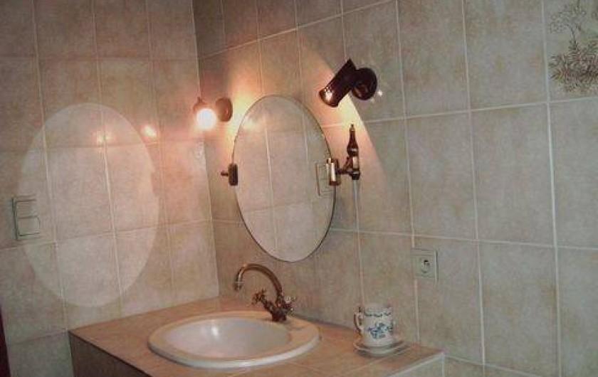 Location de vacances - Maison - Villa à Montferrat - la salle de bain