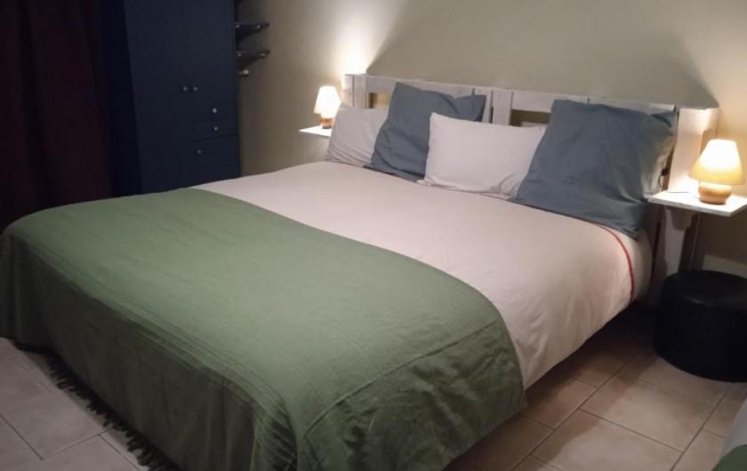 """Location de vacances - Gîte à Pont-Remy - Gîte 6/8 pers.   """"AUX 10 PONTS""""  chambre salon-Vallée de Somme"""