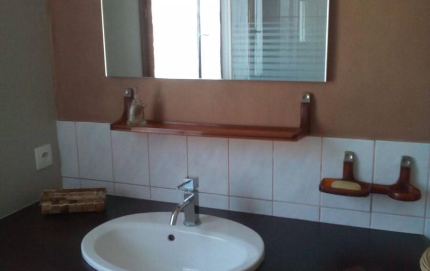 """Location de vacances - Gîte à Pont-Remy - Gîte 6/8 pers.   """"AUX 10 PONTS"""" salle d'eau BAIE DE SOMME"""