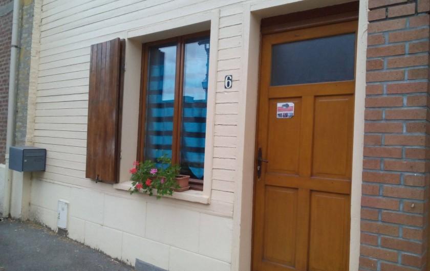"""Location de vacances - Gîte à Pont-Remy - Gîte 6/8 pers.   """"AUX 10 PONTS""""  Entrée rue"""