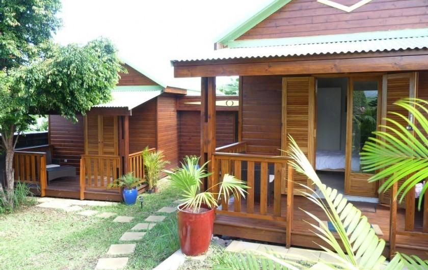 """Location de vacances - Chalet à Maniron - à droite le chalet """" manguier """" , à gauche le chalet """" letchi"""""""