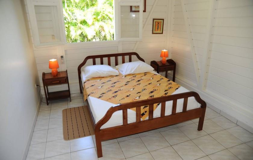 Location de vacances - Bungalow - Mobilhome à Le François - une des chambres des bungalows.