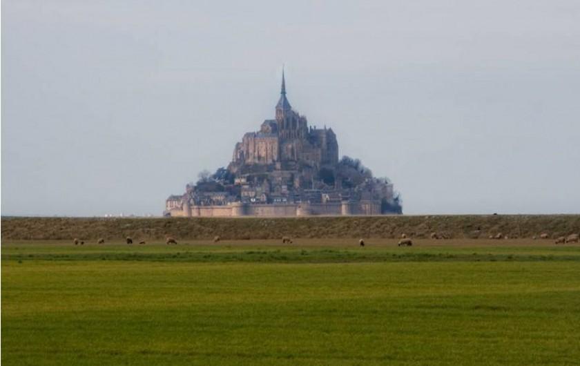 Location de vacances - Hôtel - Auberge à Céaux - Le Mont Saint Michel, à seulement 10 minutes de notre établissement.