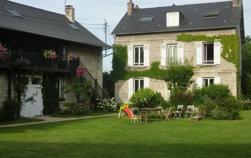 Location de vacances - Chalet à Chivres-Val - La maison vue de face