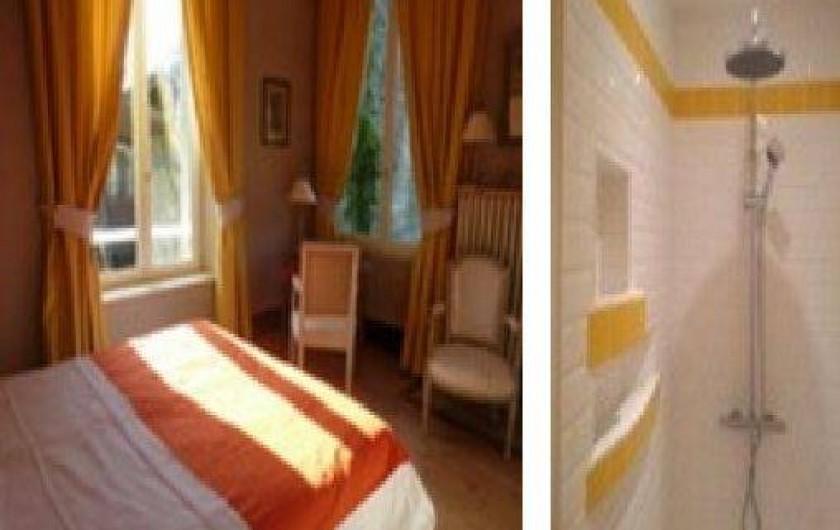 Location de vacances - Chalet à Chivres-Val - Chambre avec un grand lit ou deux lits séparés  et douche. 1er étage