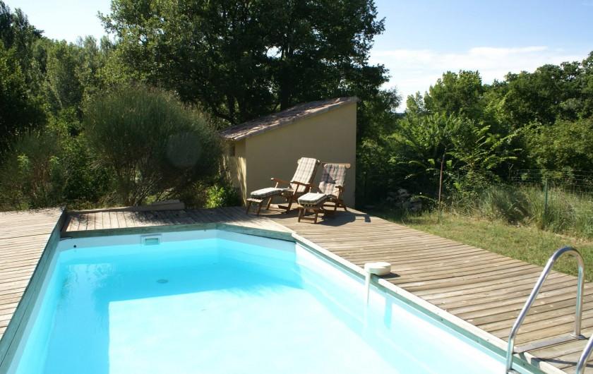 Location de vacances - Villa à Saignon - PIscine 8X4m , contour bois