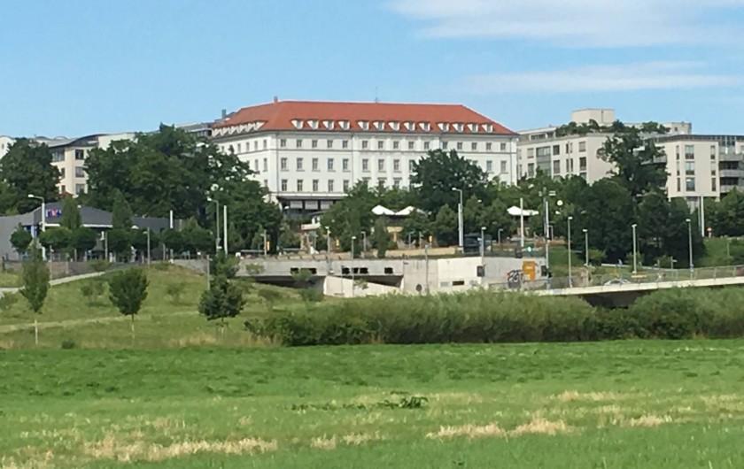 Location de vacances - Appartement à Dresde - Waldschlösschen (restaurant et brasserie en plein air) près de chez nous