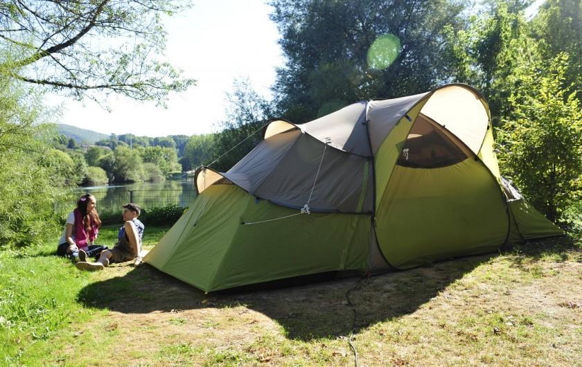 Location de vacances - Bungalow - Mobilhome à Chalezeule - Places au bord de la rivière