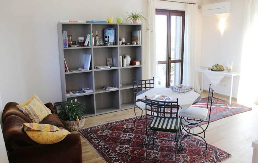 Location de vacances - Chambre d'hôtes à Vigliano d'Asti - Le salon/cusine