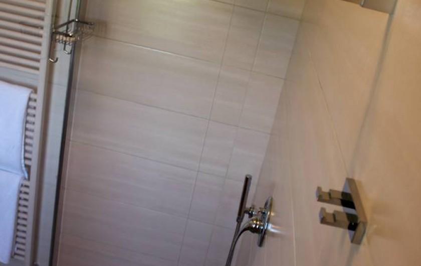 Location de vacances - Chambre d'hôtes à Vigliano d'Asti - Grands douches