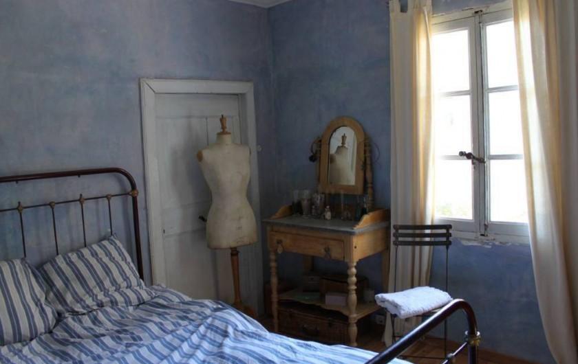 Location de vacances - Villa à Fontanes - chambre bleue, au plus des hirondelles...