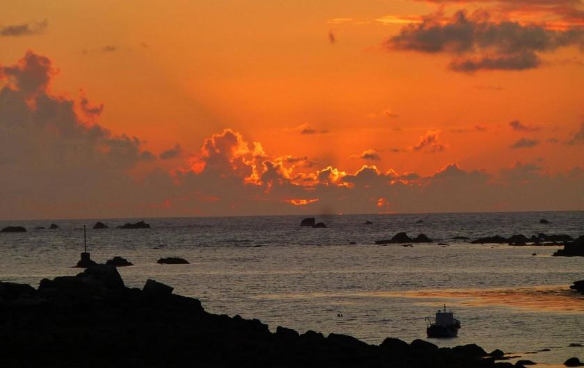 Location de vacances - Chambre d'hôtes à Lanildut - coucher de soleil