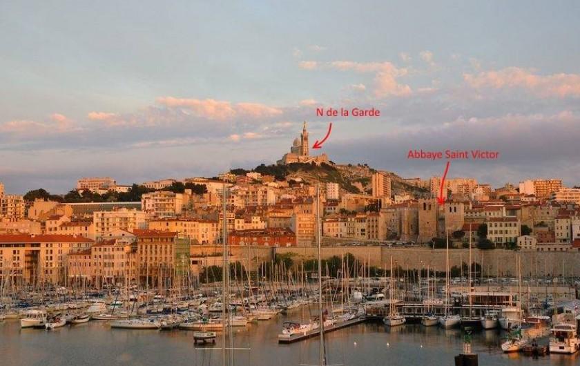 Location de vacances - Appartement à 6e Arrondissement - Vue du quai du port, de la Bonne Mère et de Saint Victor