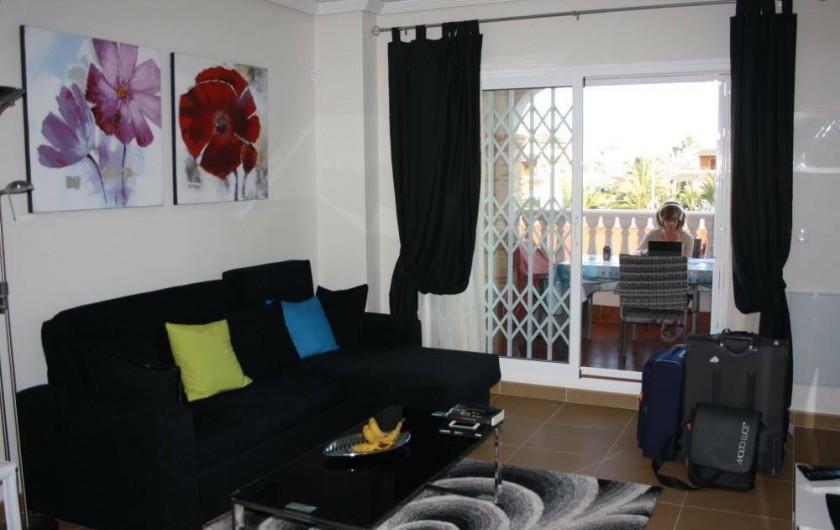 Location de vacances - Appartement à Orihuela - Salon et terrasse