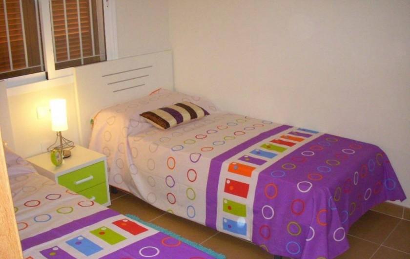 Location de vacances - Appartement à Orihuela - Chambre avec 2 lits simples (pour adultes ou enfants)