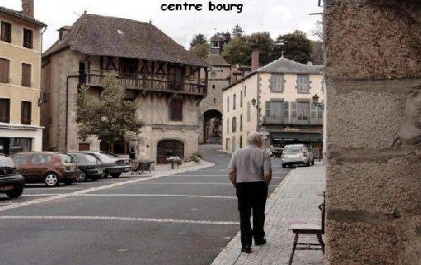 Location de vacances - Gîte à Châteldon - Vue du bourg