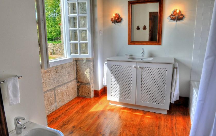 Location de vacances - Gîte à Santa Cruz do Lima - Salle à bain Casa de Luou - 1er étage.