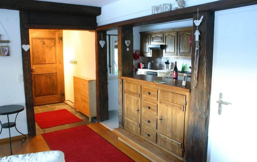 Location de vacances - Appartement à Vercorin - Entrée et cuisine