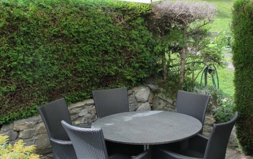 Location de vacances - Chalet à Bruson - coin repas d'été