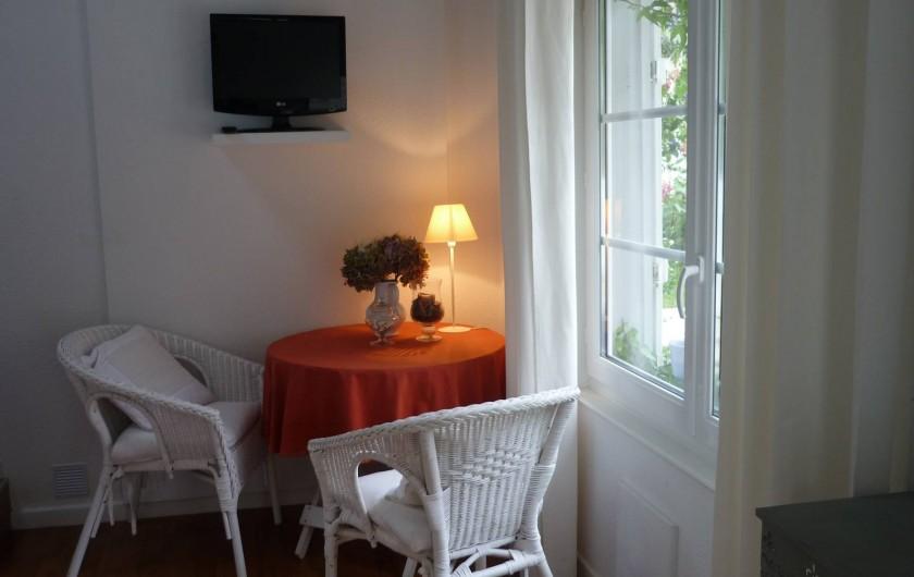 Location de vacances - Chambre d'hôtes à Kuttolsheim - Duplex lune, salon