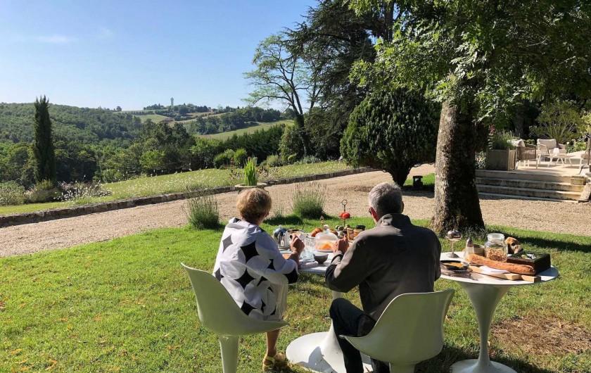 Location de vacances - Chambre d'hôtes à Saint-Paul-d'Espis - Petit déjeuner... avec vue