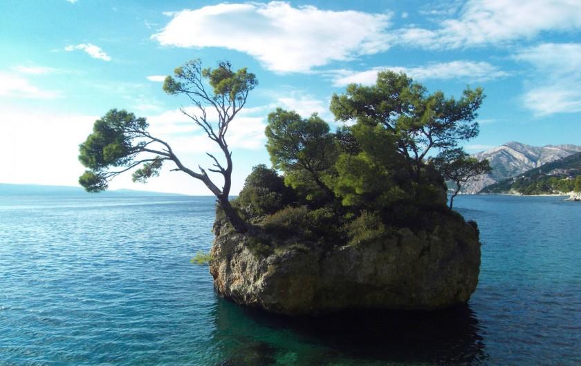 Location de vacances - Appartement à Brela - Le célèbre rocher de Bréla. A ne pas manquer.
