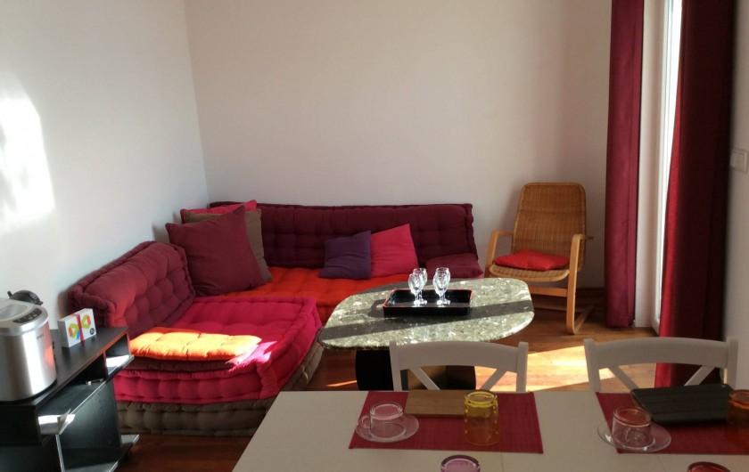 Location de vacances - Appartement à Brela - Salon, machine expresso, machine à glaçons.