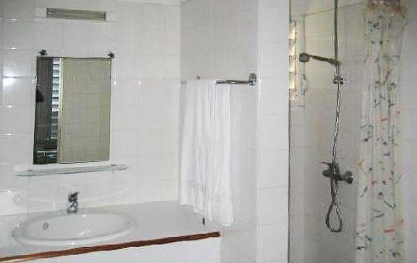 Location de vacances - Appartement à Sainte-Anne - La salle d'eau