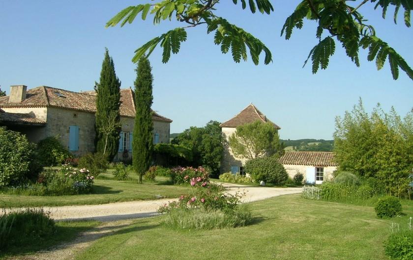 Location de vacances - Gîte à Villeréal - Arrivée au Pigeonnier