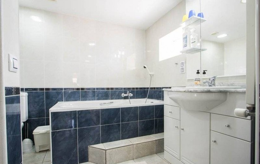 Location de vacances - Villa à Benissa - la salle de bain du studio