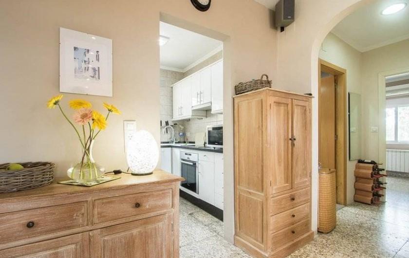 Location de vacances - Villa à Benissa - du living vers cuisine salle de douche et chambre
