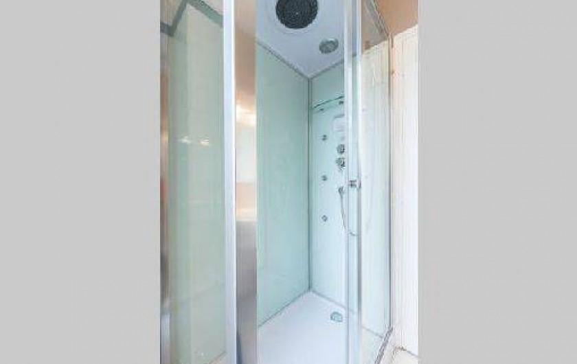 Location de vacances - Appartement à Saint-Malo - la douche