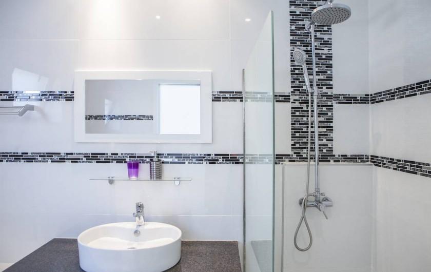 Location de vacances - Villa à Lindos - sbd full , douche évier , baignoire , toilette