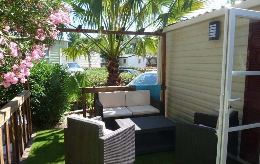 Location de vacances - Bungalow - Mobilhome à Vias - coin salon de la terrasse