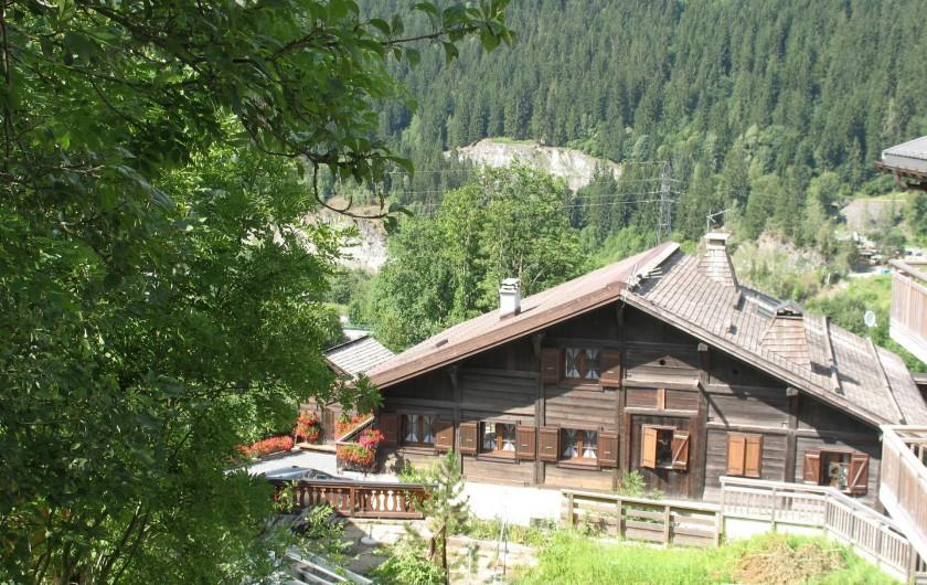 Location de vacances - Chalet à Les Houches - vue générale du chalet
