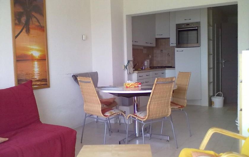 Location de vacances - Appartement à Koksijde - du salon vers le coin cuisine