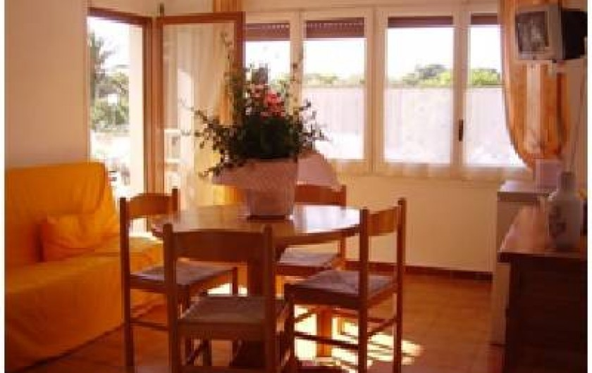 Location de vacances - Appartement à Roses - pièce de vie