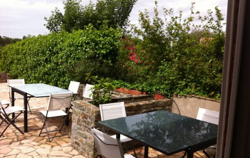 Location de vacances - Appartement à Saint-Pair-sur-Mer - Terrasse à l'abri des regards     avec barbecue.