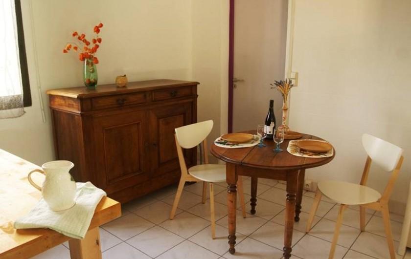 Location de vacances - Studio à Cairanne - Coin repas 1