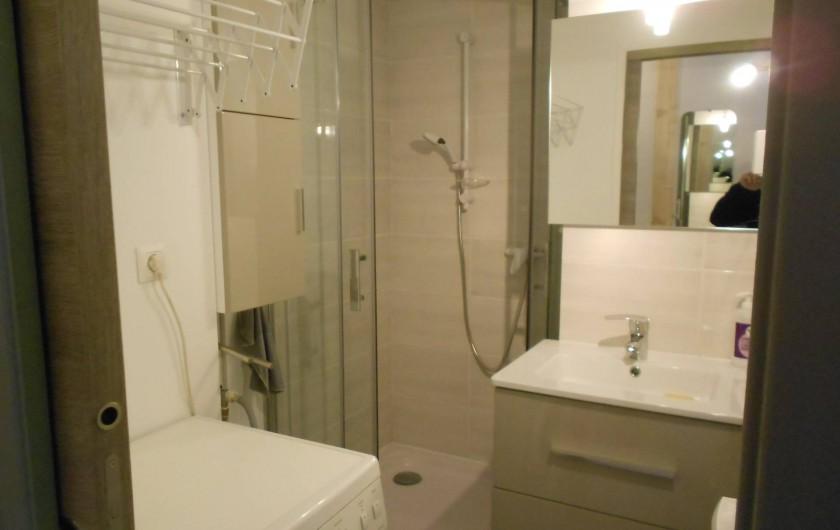 Location de vacances - Studio à Val-d'Isère - salle de bain, lave- linge