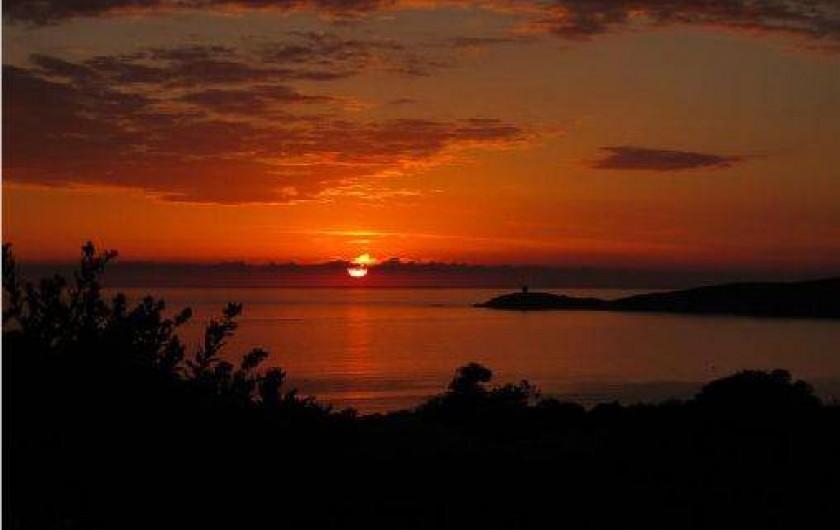 Location de vacances - Villa à Cargèse - coucher de soleil de la villa